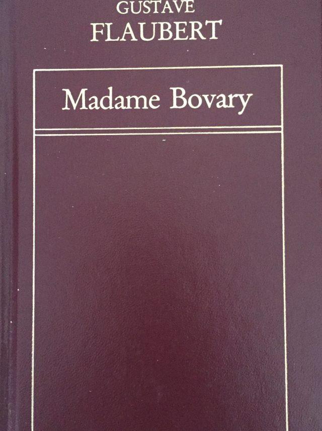 Madame Bovary-Abre un libro