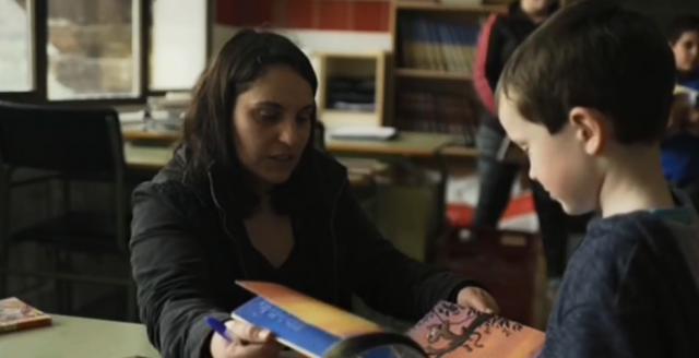 María del Mar Agos lleva los libros a las escuelas