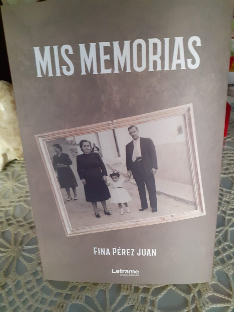 Su relato de memorias es un amoroso viaje a los recuerdos familiares.