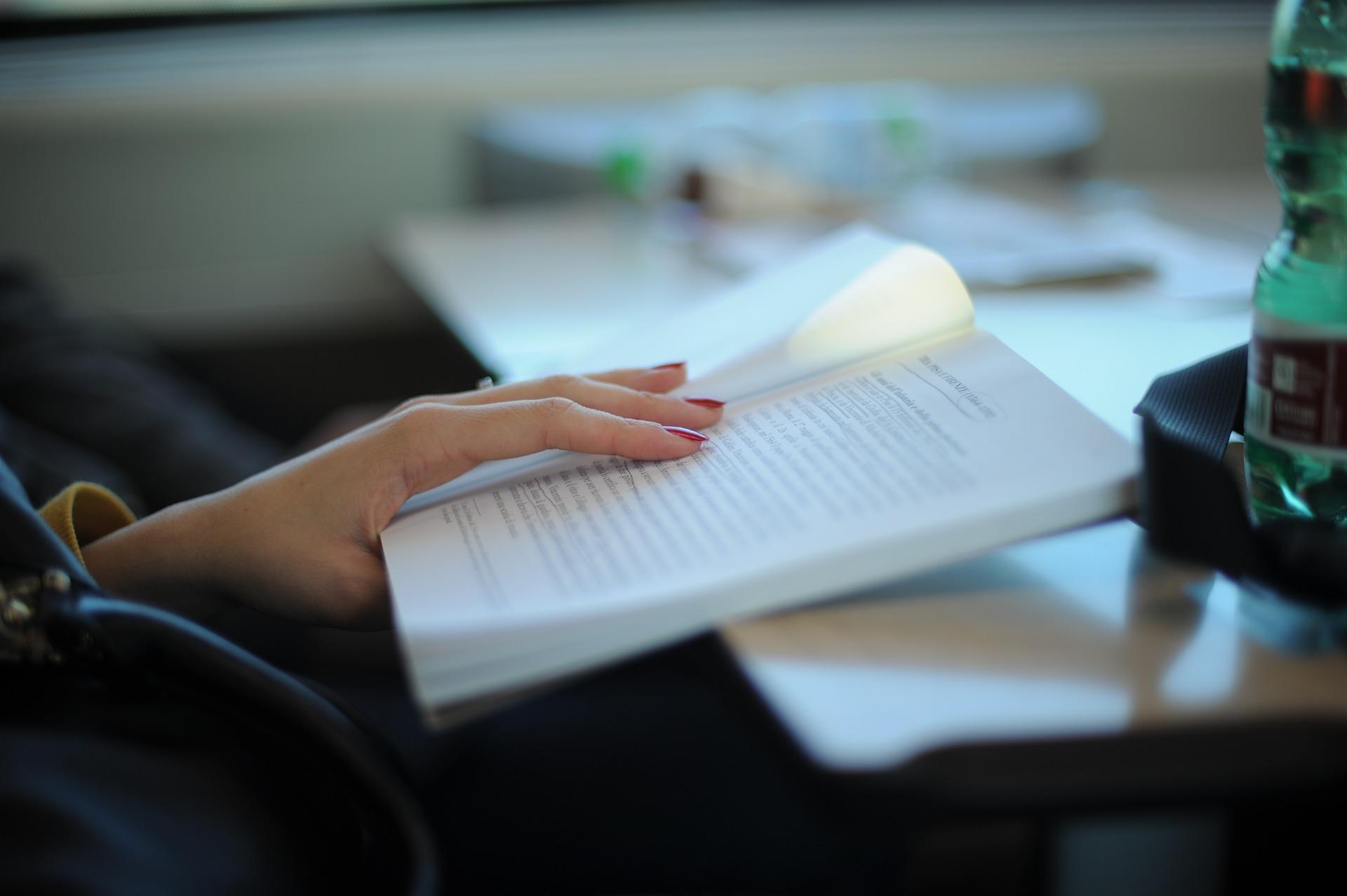 Cómo leer más - Abre un libro